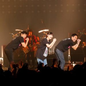 毎年恒例!チュートリアルが主催する音楽ライブ、4回目の開催!!3000人の観客を前に、この日限りのコラボを数々披露!!